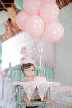Adorable! Pastel blue and pink are a fab combination for a first birthday party.