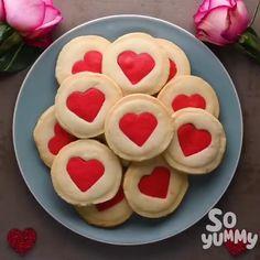 Baking Recipes, Cookie Recipes, Dessert Recipes, Yummy Recipes, Holiday Treats, Holiday Recipes, Easter Recipes, Heart Cookies, Sugar Cookies