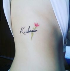 Resiliência, ser forte sendo amor. Delicada, cores, grafia fina.