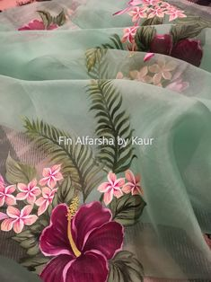 Fabric Colour Painting, Fabric Painting On Clothes, Dress Painting, Painted Clothes, Silk Painting, Fabric Art, Lace Fabric, Embroidery Suits Design, Flower Embroidery Designs