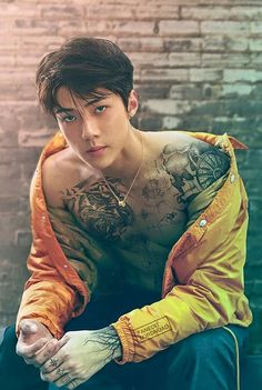 Oh Sehun Sexy vibe edition. This bad boy tattoo makes me fvckin I am desperately being honest here. Sehun, Kpop Exo, Cute Asian Guys, Cute Guys, Asian Men, Fan Fiction, Bad Boys, Pose, Handsome