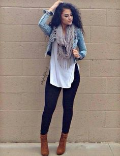 Take a look at 14 casual spring outfits with leggings that you can wear every day in the photos below and get ideas for your own amazing outfits! Outfit Jeans, Outfits Leggins, Leggings Outfit Winter, How To Wear Leggings, Best Leggings For Winter, Jacket Outfit, Cheap Fall Outfits, Casual Fall Outfits, Spring Outfits