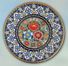 Decorative Plate 40 cms. Handmade in Sevilla.  Isbiliya (Al-Ándalus). Enamels and 24K gold www.madeinandalusia.es