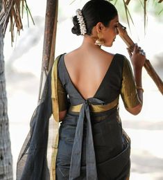 Latest Trending Silk Saree Blouse Designs - 2019 Update - - To make it easier for you, we have the top trending beautiful silk saree blouse designs so that you can choose the best for your saree look. Blouse Back Neck Designs, Fancy Blouse Designs, Indian Blouse Designs, Choli Designs, Choli Blouse Design, Silk Saree Blouse Designs, Blouse Patterns, Kurti Patterns, Sari Bluse
