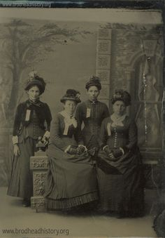 Four unidentified women.  via: Brodhead Historical Society