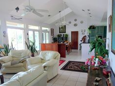 great lounge with oriental influence in The Bahamas. www.38fortunevillage.com