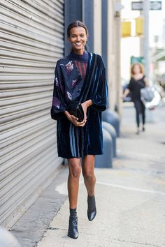 Street Style New York Fashion Week Day 5 - Image 3