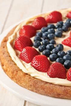 Easy Fruit Pizza – It's easier than you might think to make this gorgeous, bakery-style fruit pizza recipe—just 10 minutes of prep and it's ready to serve in less than a half hour.