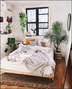 small bedroom design , small bedroom design ideas , minimalist bedroom design for small rooms , how to design a small bedroom Bedroom Decor For Couples Small, Small Space Bedroom, Small Room Decor, Decor Room, Bedroom Ideas For Small Rooms Cozy, Small Bedroom Layouts, Space Saving Bedroom, Bohemian Room Decor, Bohemian Bedroom Design
