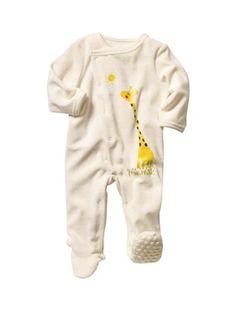 Votre petit bout mérite le meilleur de la douceur... et un pyjama super facile à enfiler ! Motifs imprimés devant. Ouverture totale asymétrique devant