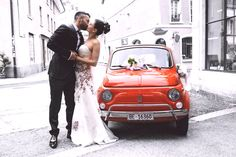 Italy is one of the most popular destinations to celebrate a wedding abroad and it isn't hard to understand why! Below are 5 of the most popular reasons to get married in Italy: Italy is one of … Wedding Weekend, Wedding Night, Diy Wedding, Dream Wedding, Wedding Ideas, Wedding Images, Wedding Ring, Perfect Wedding, Wedding Ceremony