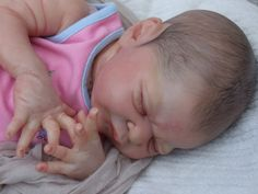 beautiful little Miracle has been born brought to life by BABY BANTER MEMBER Sarah Lewis from Tickles,n Giggles nursery