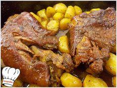 ΚΟΤΣΙ ΜΕΛΩΜΕΝΟ ΜΕ ΜΥΡΩΔΙΚΑ ΣΤΗ ΓΑΣΤΡΑ!!! Pot Roast, Cooking Time, Chicken Wings, Pork, Meat, Ethnic Recipes, Drinks, Amazing, Carne Asada