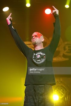 Nachrichtenfoto : Singer Ivan Moody of Five Finger Death Punch...