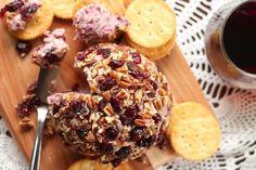 Cranberry and Pecan Vegan Cheeseball | Oh My Veggies Vegan Cheese Recipes, Cheese Ball Recipes, Vegan Snacks, Dairy Free Recipes, Vegetarian Recipes, Cashew Cheese, Vegan Dinners, Potato Recipes, Gluten Free