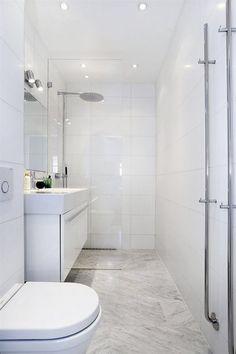 Jays in witte badkamer. Laundry In Bathroom, Bathroom Renos, Bathroom Inspo, Bathroom Layout, Bathroom Interior Design, Bathroom Inspiration, Minimal Bathroom, Simple Bathroom, Bad Inspiration