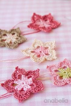 Five petals tiny flowers free pattern                                                                                                                                                     More