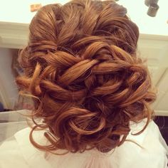 Red head bridal hairstylist  Freelance bridal hairstylist servicing Charlotte, NC www.danaraiabridal.com