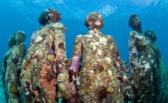 Sculpture - modern art - Jason Decaires Taylor - Cancun Underwater Museum, Cancun, Mexico