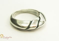 3 Wave Lines Ring