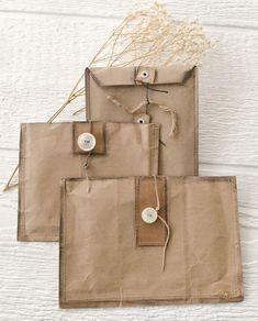 Wrap their personal gifts along with Xmas souvenir wrapping paper. Paper Bag Crafts, Paper Gifts, Paper Bag Books, Foam Crafts, Brown Paper Packages, Brown Paper Bags, Pretty Packaging, Paper Packaging, Packaging Ideas