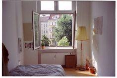 Imagem de room, window, and bed