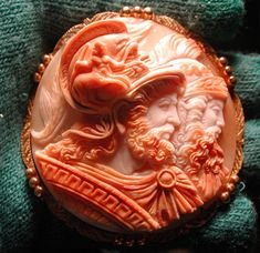 Fabulous 3-D double headed cameo | Collectors Weekly