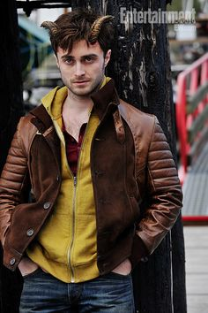 Daniel Radcliffe reveals his devilish transformation in 'Horns' -- Can't wait to see this.