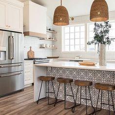 Home Decor Kitchen, Interior Design Kitchen, New Kitchen, Kitchen Dining, Modern Interior, Rustic Kitchen, Awesome Kitchen, Kitchen Stools, Kitchen Cabinets