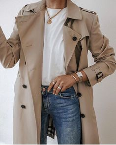 simple trench coat outfit for spring Mode Outfits, Chic Outfits, Winter Outfits, Fashion Outfits, Fashion Tips, Mode Chic, Mode Style, Fashion Mode, Look Fashion