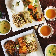 "Instagram @pslilyboutique ""Dinner time @ibakefilm #nomnomnom #losangeles #blogger #lifestyle #food #foodporn #yum #eeeeeats #forkyea #dinner #nom #instafood #foodie #LA"""