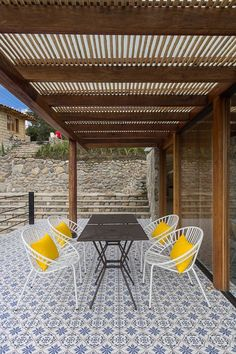Image 4 of 19 from gallery of Stone House / Inai Arquitectura. Photograph by Juan Alberto Andrade