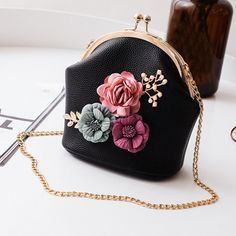 d26382e73e Casual Shoulder Stereo Flowers Bag