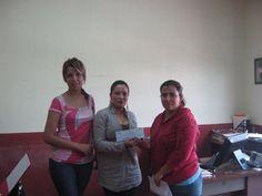Mujeres microempresarias reciben recursos del Gobierno de Jalisco para impulsar sus negocios. Acércate a realizar tu sueño. FOJAL Sí te ayuda.