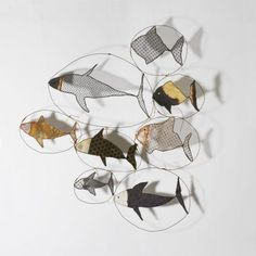 Wire and fabric fish - By Sylvia Eustache Rools Stylo 3d, Fabric Fish, Art Fil, Turbulence Deco, Ideias Diy, Wire Crafts, Fish Art, Art Plastique, Mobiles
