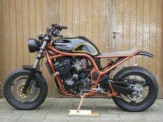 ROOK custom cycles Bandit Bobtrack. Suzuki Bandit, Suzuki Gsf 1200 https://www.facebook.com/ROOKcustomcycles