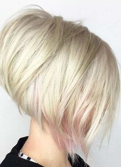 Short Hairstyles for Women with Thin/ Fine Hair: Layered Stack  #thinhair shorthairstyles #finehair