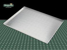 MAGOREX blachy piekarnicze aluminiowe, perforowane 3 mm, 4 rantowe, rant 90°, bez powłoki.