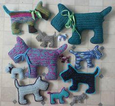 libre de crochet patrón de amigurumi perro del escocés