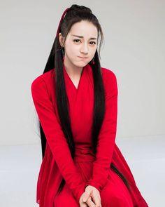 The Flame's Daugher Dilireba Dilraba Dilmurat Beautiful Chinese Women, Beautiful Asian Girls, Stylish Outfits, Fashion Outfits, Women's Fashion, Good Looking Women, Cute Girl Photo, Pretty Asian, Chinese Actress