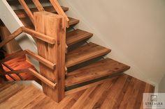 #schody#schodydrewniane#nowoczesne#schodydębowe#schodyolejowane#schodywewnętrzne#balustradadrewniane#drewno#balustrada#dom#wnętrze#schodynowoczesne#dąb#budowadomu#białeschody#prosteschody#stair#handrail#interiors#ContemporaryStaircase#woodenbalustrade#Schody wykonane z drewna dębowego, olejowane.