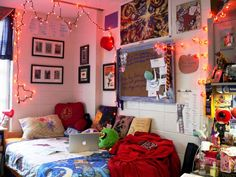 Cute Dorm Room Decorating Ideas - For more great ideas on how to decorate your dorm room go to http://www.homeizy.com/girls-dorm-room-ideas/
