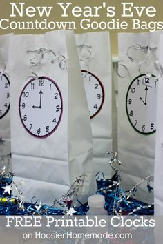 New Year's Eve Countdown Bags with FREE Printable Clocks | Available on HoosierHomemade.com Maybe instead of little party favor items you could add a memory/picture from the year to talk about.