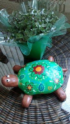 Tartaruga em cerâmica.