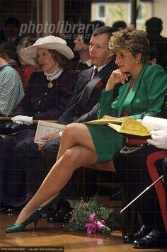 Diana, Princess of Wales - Yahoo Image Search Results Princess Diana Photos, Princess Diana Fashion, Lady Diana Spencer, Royal Princess, Princess Of Wales, Beautiful Celebrities, Beautiful Women, Estilo Real, Duchess Of York