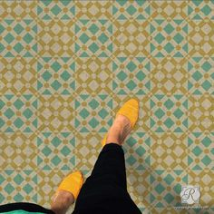 Modern and Geometric Painted Floor Stencils with Star Diamonds Moroccan Craft Project - Royal Design Studio Moroccan Wall Stencils, Stencil Wall Art, Stencil Painting On Walls, Craft Stencils, Tile Stencils, Stenciling, Stencil Patterns, Stencil Designs, Tile Patterns