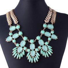 $4.16 Retro Mint Green Resin Double Row Chain Suit Clothing Accessories Women Collar Jewelry Necklace http://www.eozy.com/retro-mint-green-resin-double-row-chain-suit-clothing-accessories-women-collar-jewelry-necklace.html