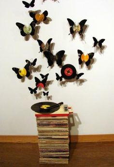 """""""Butterfly wall art made from old vinyl records.eventhough my record loving music-head friends would cringe at doing this to the beloved vinyl. Vinyl Record Crafts, Old Vinyl Records, Vinyl Crafts, Vinyl Art, Diy And Crafts, Cd Crafts, Beer Can Art, Vinyl Platten, Projects To Try"""