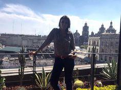 Hoy decidimos venir al centro y disfrutar de esta hermosa ciudad. - http://ift.tt/1HQJd81