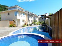 Condomínio Residence, localizado em Praia de Camburi, distante a 750m da praia
